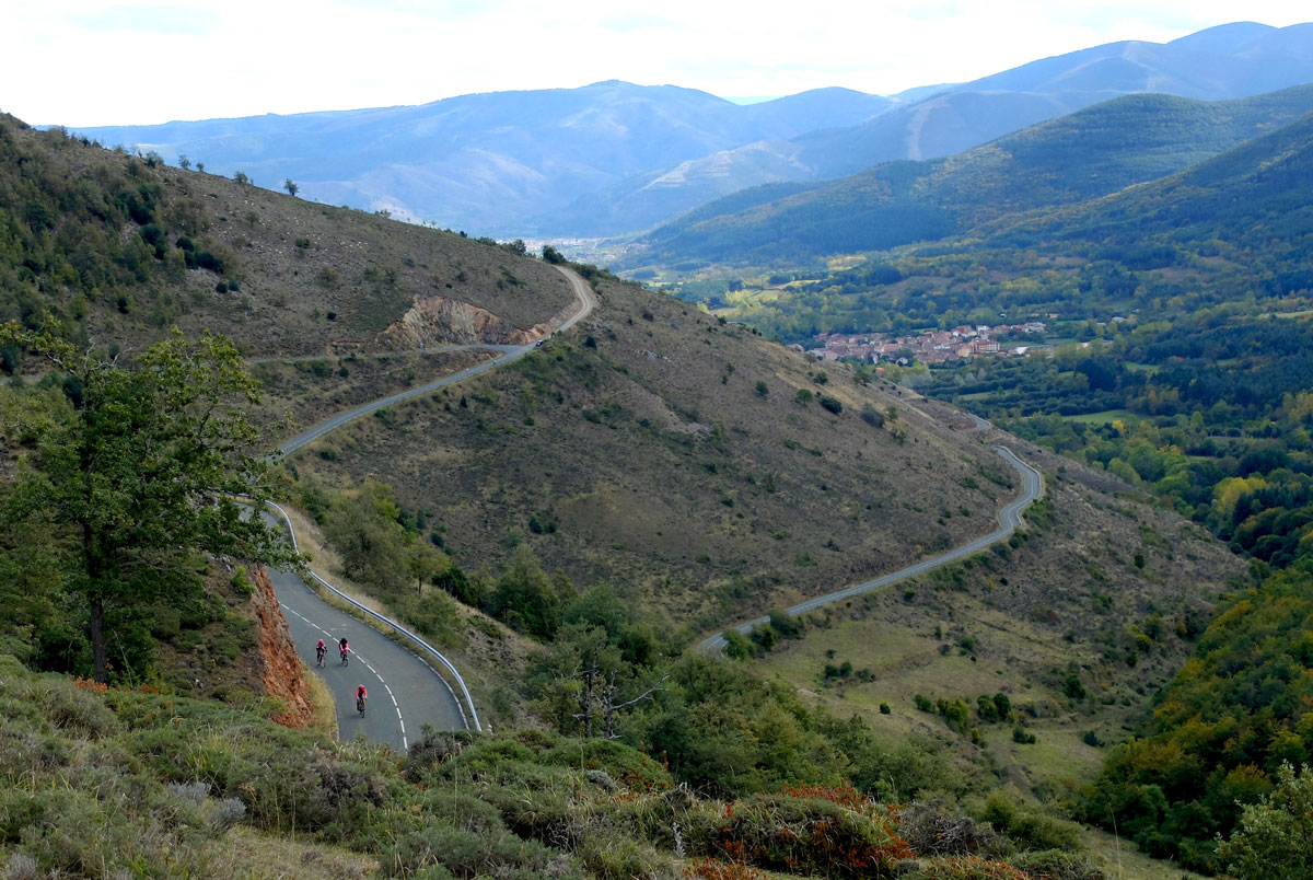 Girls-Cycling-Experience-La-Rioja-Road-Etapa-1-4