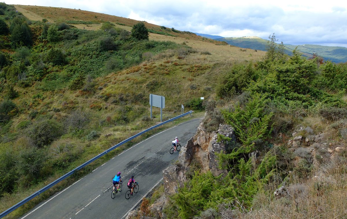 Girls-Cycling-Experience-La-Rioja-Road-Etapa-1-6