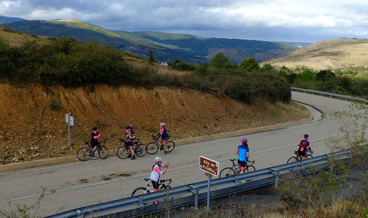 Girls-Cycling-Experience-La-Rioja-Road-Etapa-1-7