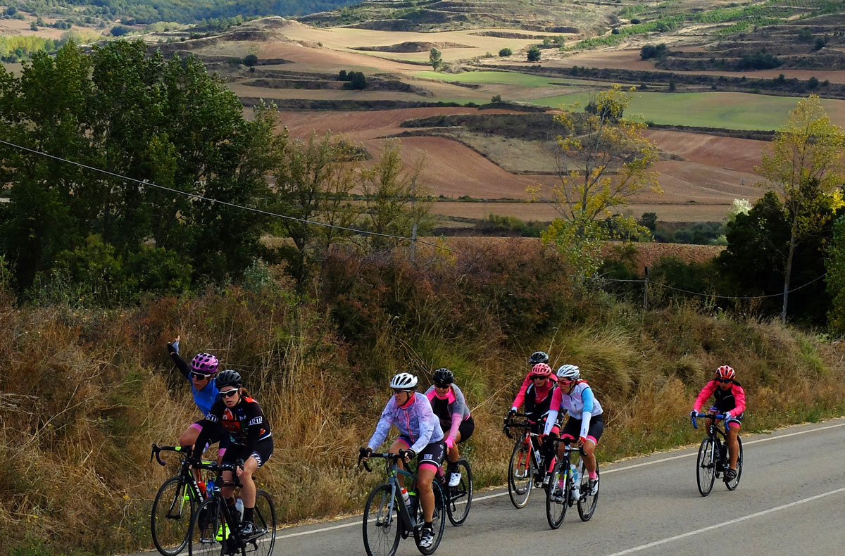 Girls-Cycling-Experience-La-Rioja-Road-Etapa-1-8