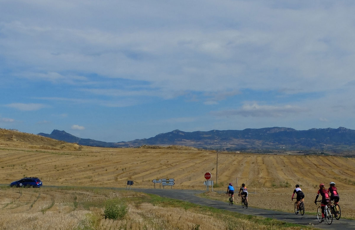 Girls-Cycling-Experience-La-Rioja-Road-Etapa-1-14