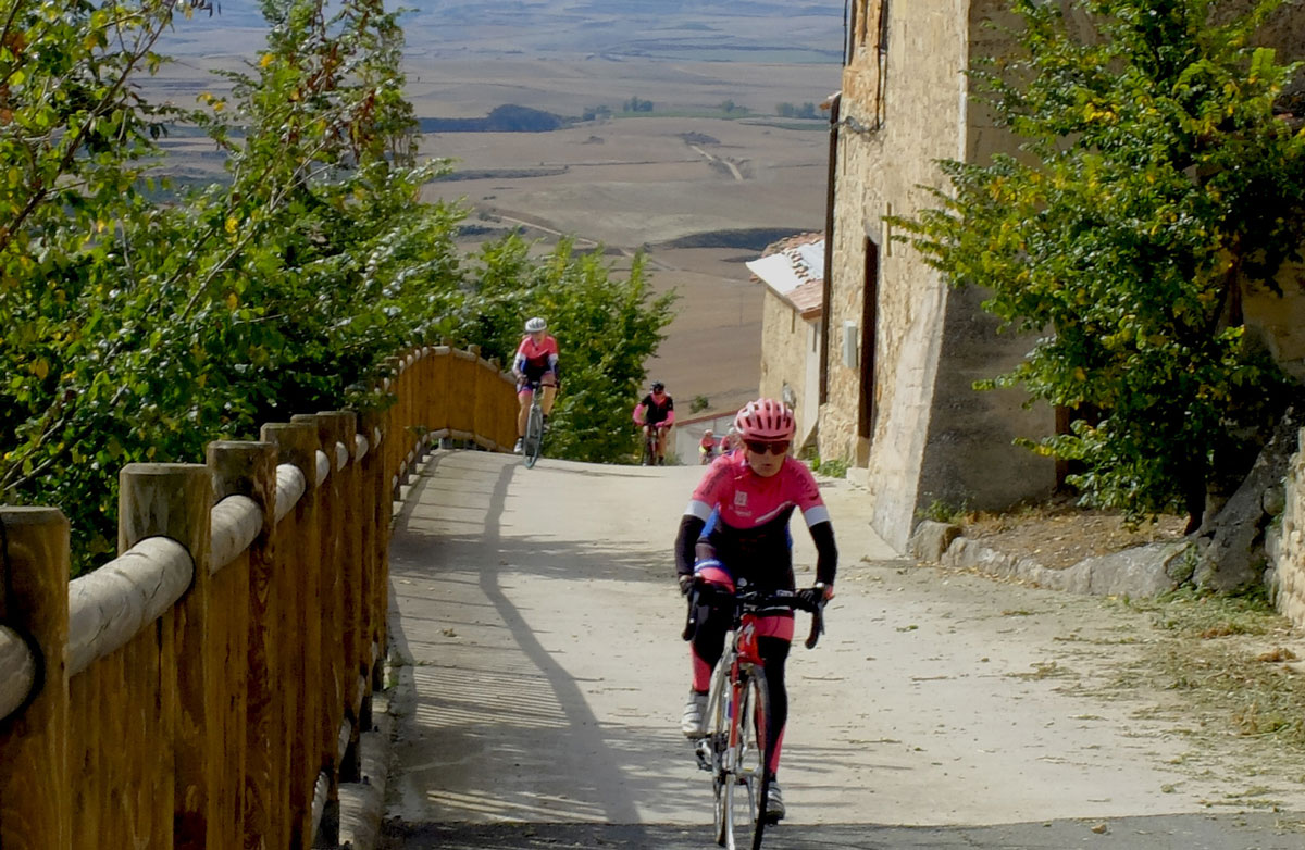 Girls-Cycling-Experience-La-Rioja-Road-Etapa-1-20