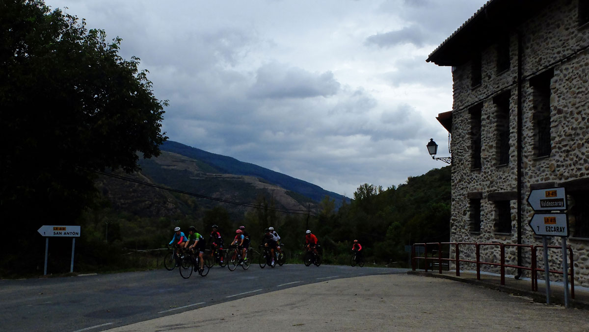 Girls-Cycling-Experience-La-Rioja-Road-Ezcaray-Etapa-3-2