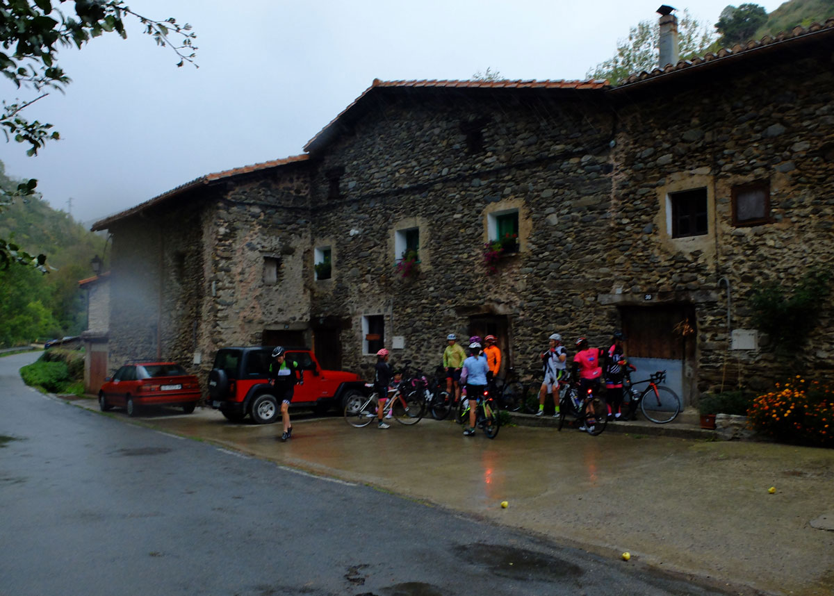 Girls-Cycling-Experience-La-Rioja-Road-Ezcaray-Etapa-3-4
