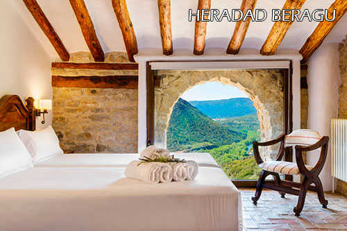 Heredad-Beragu-hotel-room-1