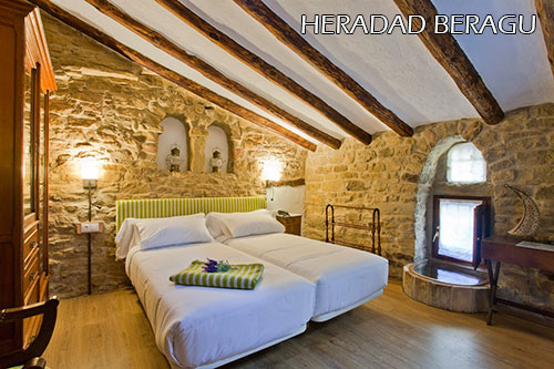 Heredad-Beragu-hotel-room-2