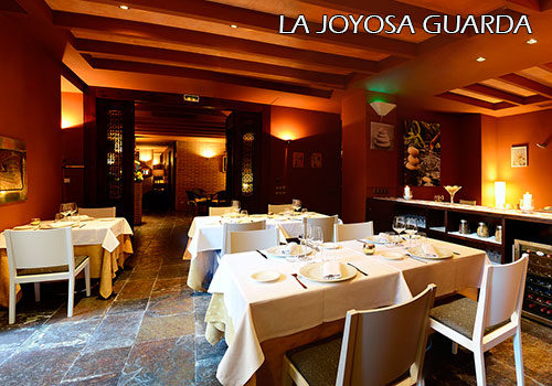 La-Joyosa-Guarda-dinning-room