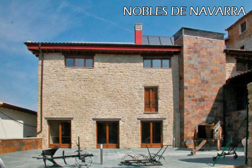 Nobles-de-Navarra-hotel-patio-interior