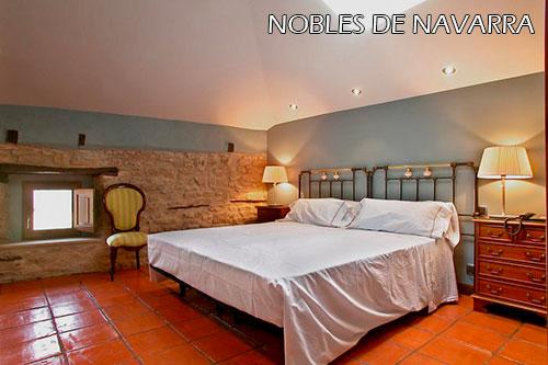 Nobles-de-Navarra-hotel-room-1